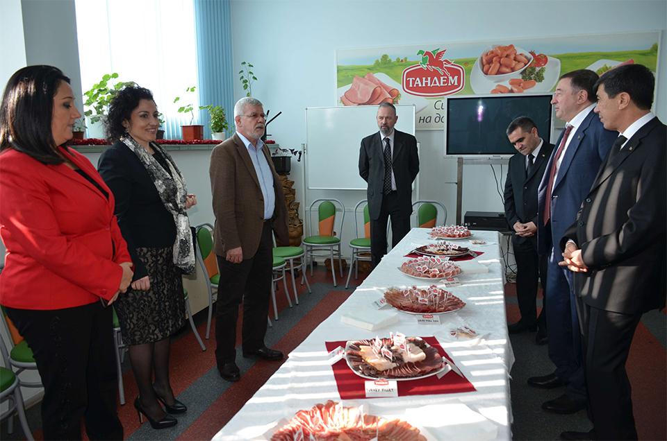"""Официална делегация от Туркменистан и български министри посетиха """"Тандем"""" Image 0"""