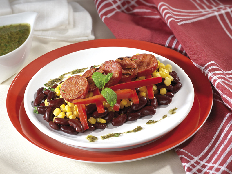 Рагу от червен боб, царевица и Луканков колбас Image 0
