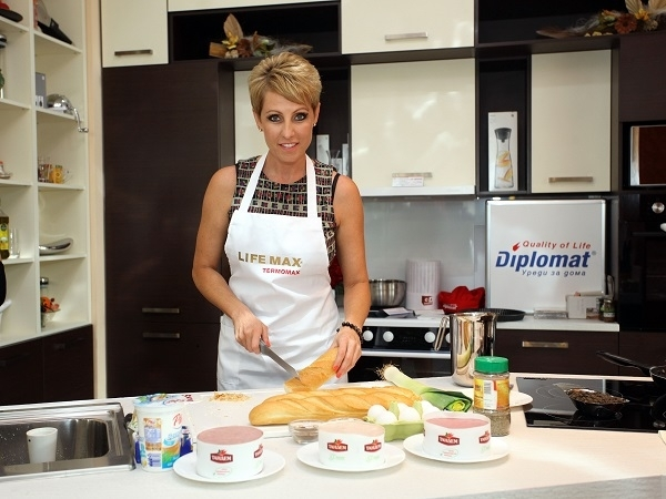 Музикално-кулинарно шоу с Джина Стоева Image 0