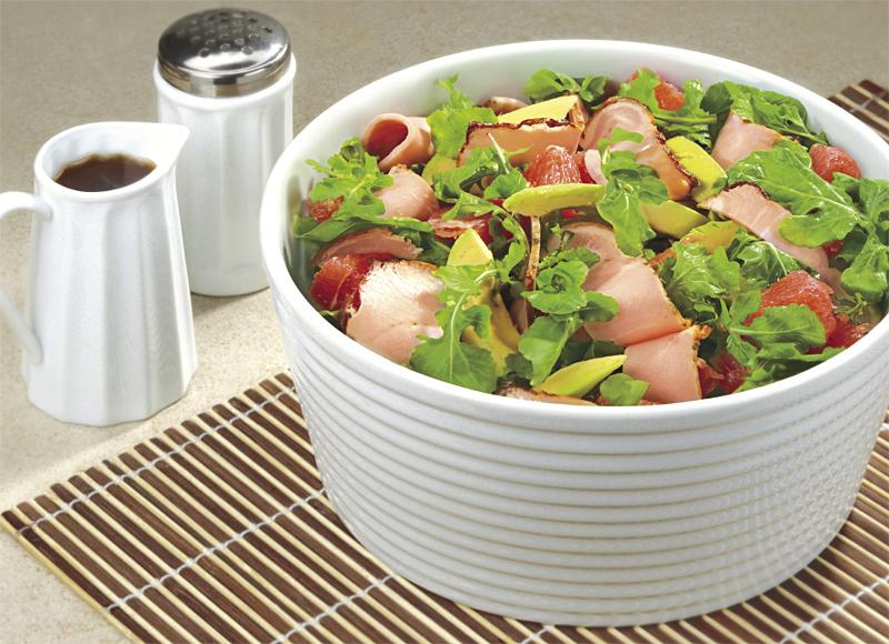 Салата от пуешко филе, авокадо и грейпфрут Image 0