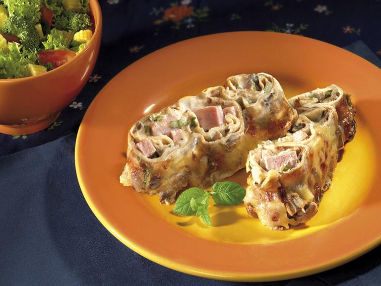 Топли палачинки с печена шунка и гъбки Image 0