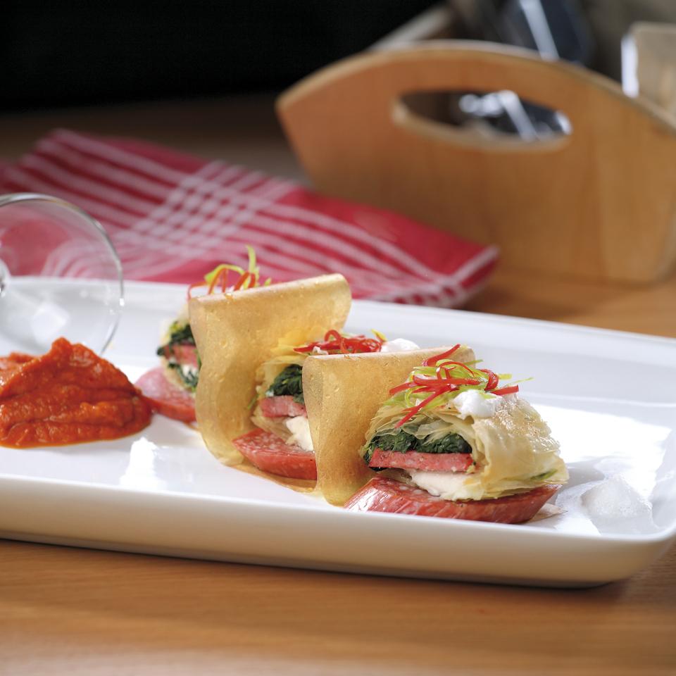 "Банички с колбас ""Тандем"", крема сирене и спанак Image 0"