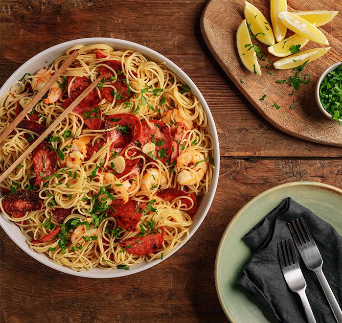 Спагети със салам Чоризо и скариди  Image 0
