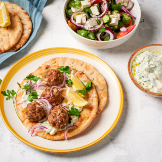 Гръцки кюфтенца с фета сирене и Телешка кайма от Тандем Thumbnail Image